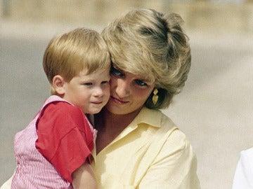 Diana de Gales y el príncipe Enrique