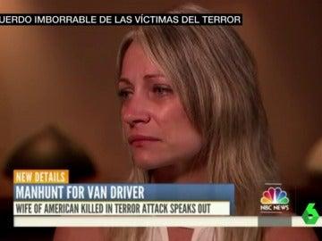 Mujer de una de las víctimas