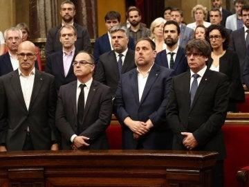Minuto de silencio en el Parlament