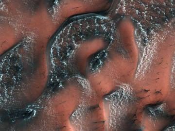 Superficie de Marte nevada