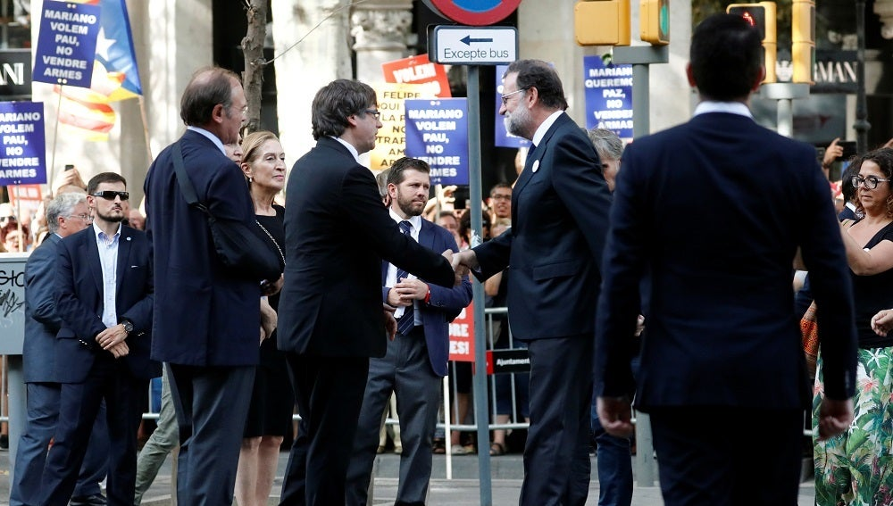 Mariano Rajoy en la manifestación contra el terrorismo en Barcelona