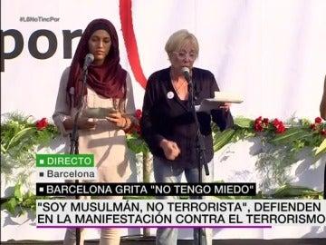 La actriz Rosa María Sardá y Míriam Hatibi, portavoz de la fundación Ibn Battutaha