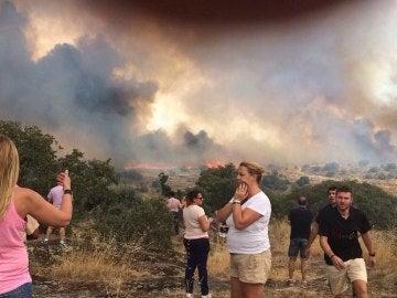 El fuego se acerca al municipio de Fermoselle