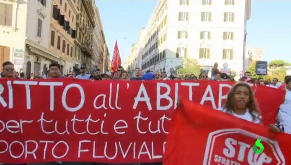 Cerca de 800 personas se manifestaron en una plaza céntrica