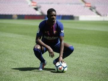 Dembélé, sobre el césped del Camp Nou