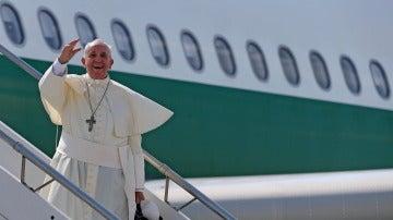 Viaje del papa Francisco en avión (Archivo)
