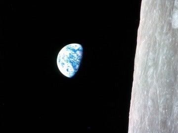 Vista de la Tierra capturada por las cámaras de la misión Apollo 8 en diciembre de 1968
