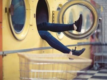Lavar la ropa no siempre es una tarea fácil