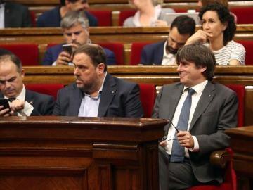 Junqueras y Puigdemont en el Parlament