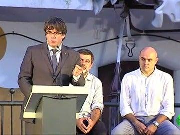 Puigdemont se dirige a los alcaldes y anima a los ciudadanos a pedir explicaciones a quienes no les deje votar