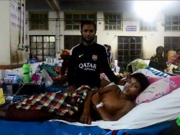 Más de 270.000 refugiados rohinyás huyen de la represión militar que sufren en Myanmar