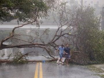 El huracán Irma se acerca a Tampa en su avance hacia el norte de Florida