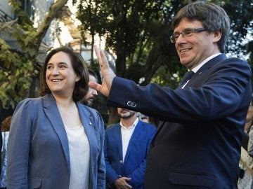 Ada Colau y Carles Puigdemont