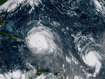 El huracán Irma, que alcanzó categoría 5, está escoltado por otros dos ciclones, José y Katia