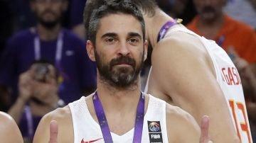 Juan Carlos Navarro celebra el bronce logrado en el Eurobasket