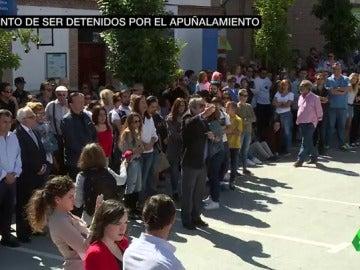 Familia y amigos de del joven apuñalado en las fiestas de San Agustín de Guadalix critican la falta de personal sanitario y policial