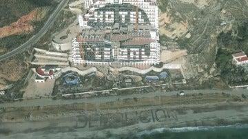 El polémico hotel de El Algarrobico, pendiente de demolición