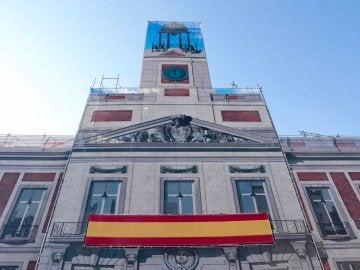 Así luce la fachada de la Real Casa de Correos en la Puerta del Sol