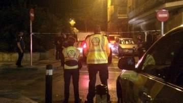 Una mujer de 30 años ha muerto de un disparo en la cabeza cuando caminaba por la calle