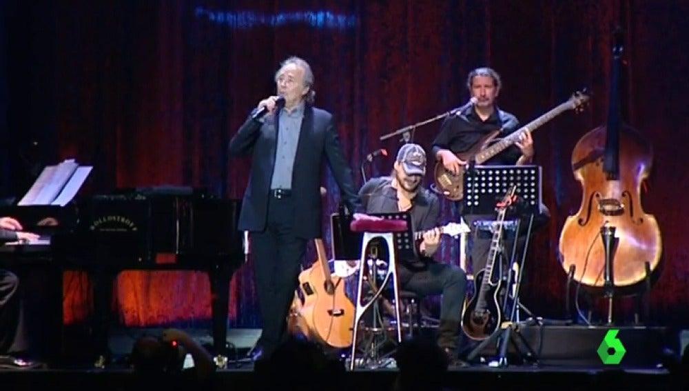 Joan Manuel Serrat durante uno de sus conciertos