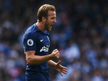 Kane celebra un gol