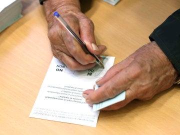 Papeleta para votar en el referéndum del 1-O en Cataluña