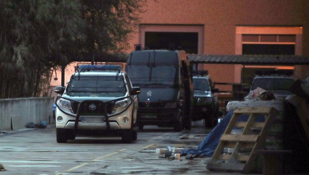 Vehículos de la Guardia Civil en el Centro de Seguridad de la Información de Cataluña