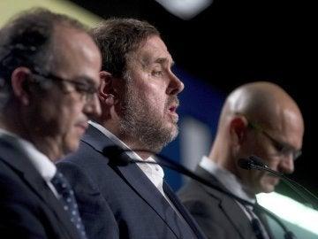 Oriol Junqueras comparece junto a Jordi Turull y Raul Romeva