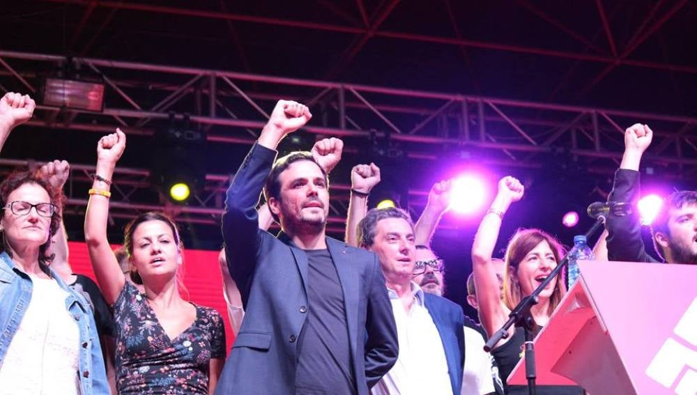 Alberto Garzón en la fiesta del PCE
