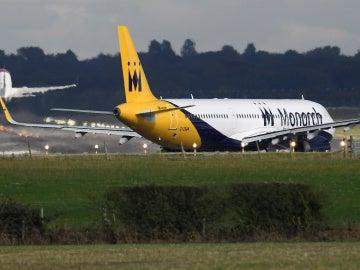 Avión de la aerolínea Monarch