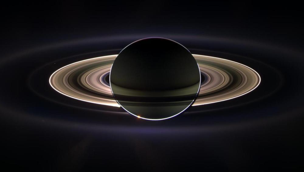 Los anillos de Saturno están formados por innumerables partículas de diversos tamaños