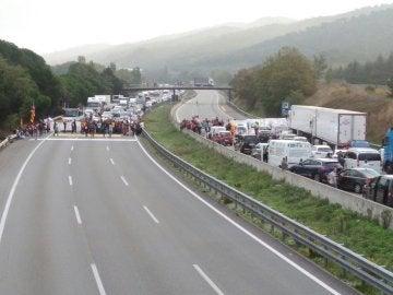 Cortes en la AP-7 de Cataluña por el 'paro del país' convocado