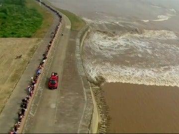 Una ola que avanza a 40 kilómetros por hora