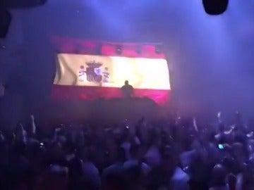 """Las discotecas madrileñas Teatro Barceló y Kapital pinchan el himno español: """"Por la unidad de España tenemos que cantar esta canción"""""""