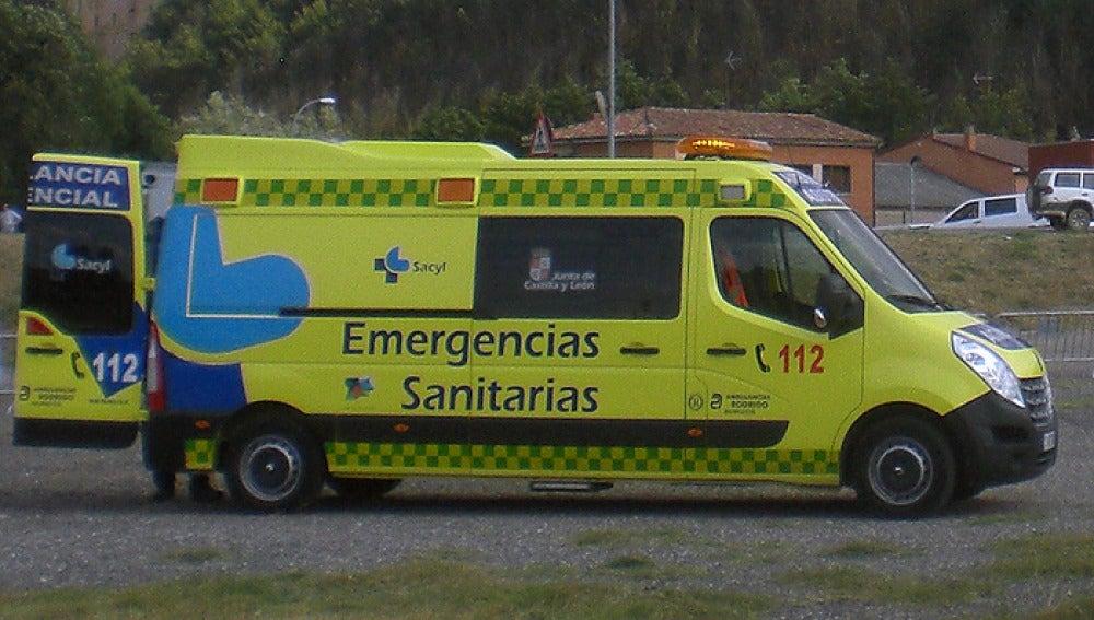 Ambulancia de los servicios de Emergencias de Castilla y León