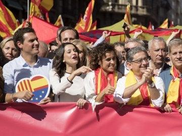 Albert Rivera, Inés Arrimadas, la ministra de Sanidad, Dolors Monserrat; y el delegado del Gobierno en Cataluña, Enric Millo