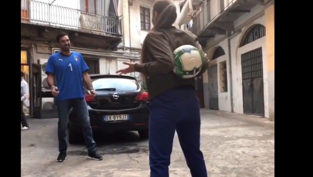Una freestyle reta a Buffon