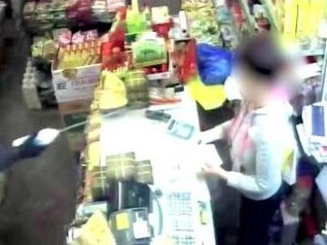 Ataque con ácido a una dependienta en Londres