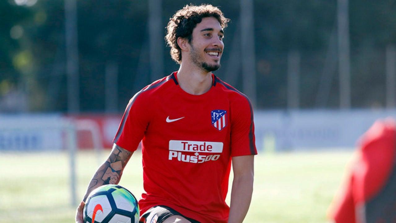 Vrsaljko sonríe durante un entrenamiento del Atlético