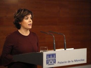 La vicepresidenta del Gobierno, Soraya Sáenz de Santamaría, durante su comparecencia en Moncloa