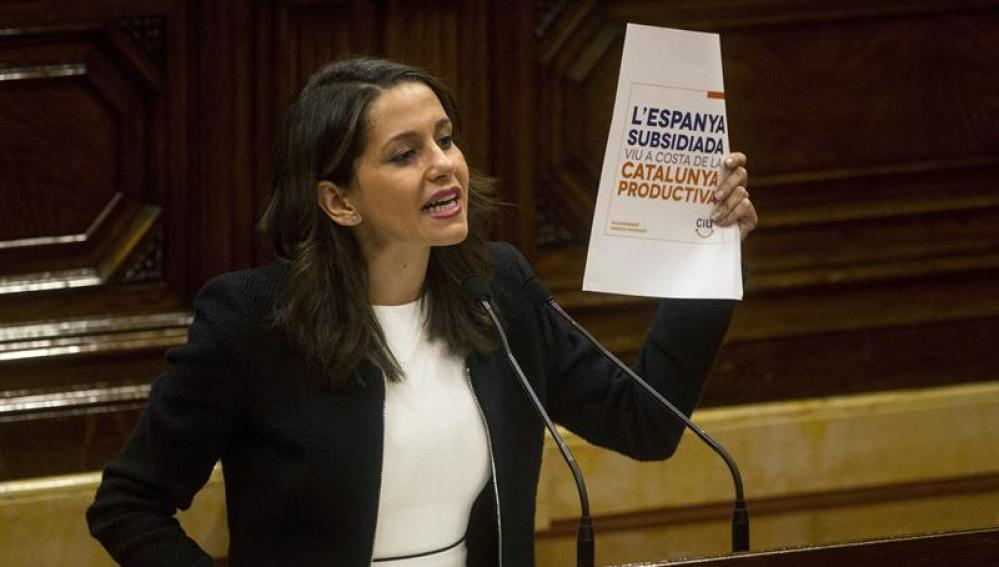 Inés Arrimadas responde a Puigdemont en el Parlament