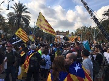 Concentración frente al Parlament de Cataluña