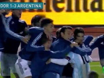 MESSI SE PONE ARGENTINA A LAS ESPALDAS