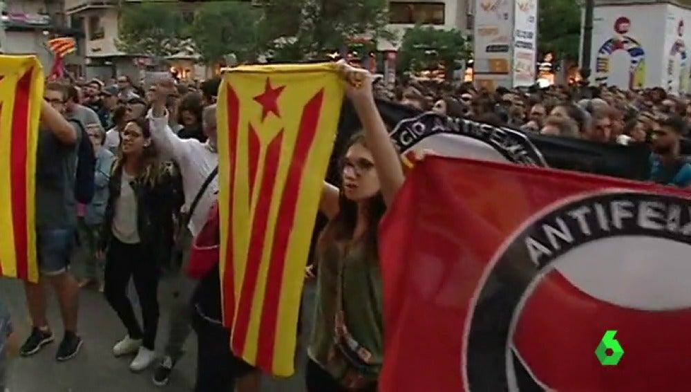 Más de un centenar de personas protestan en Valencia por las agresiones de ultraderechistas el 9-O