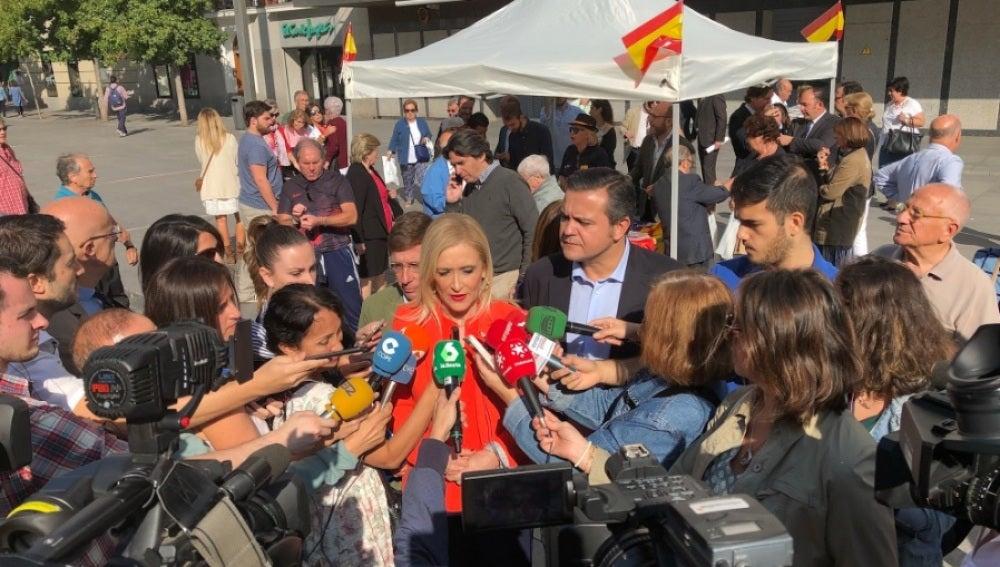 Cristina Cifuentes comparece ante los medios de comunicación