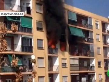 Un muerto y tres heridos en el incendio de una vivienda en Puçol, Valencia