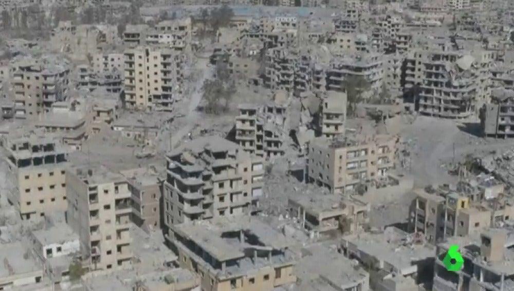 Un dron muestra la devastación en Raqqa, la ciudad que fue bastión del ISIS en Siria