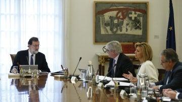 Rajoy preside la reunión extraordinaria del Consejo de Ministros