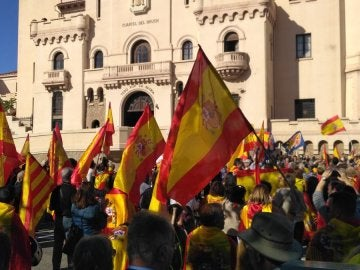 Concentración en Barcelona para apoyar a las fuerzas de seguridad del Estado