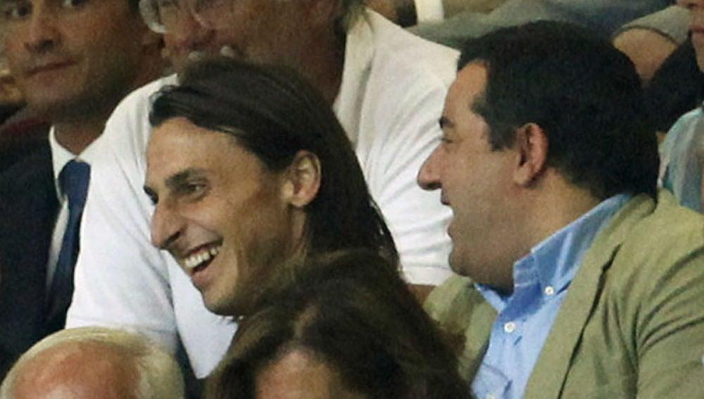 Ibrahimovic y Raiola, juntos en el palco del Milan